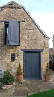 In the Cotswolds, History Dictates Design - Photo 4 of 12 -