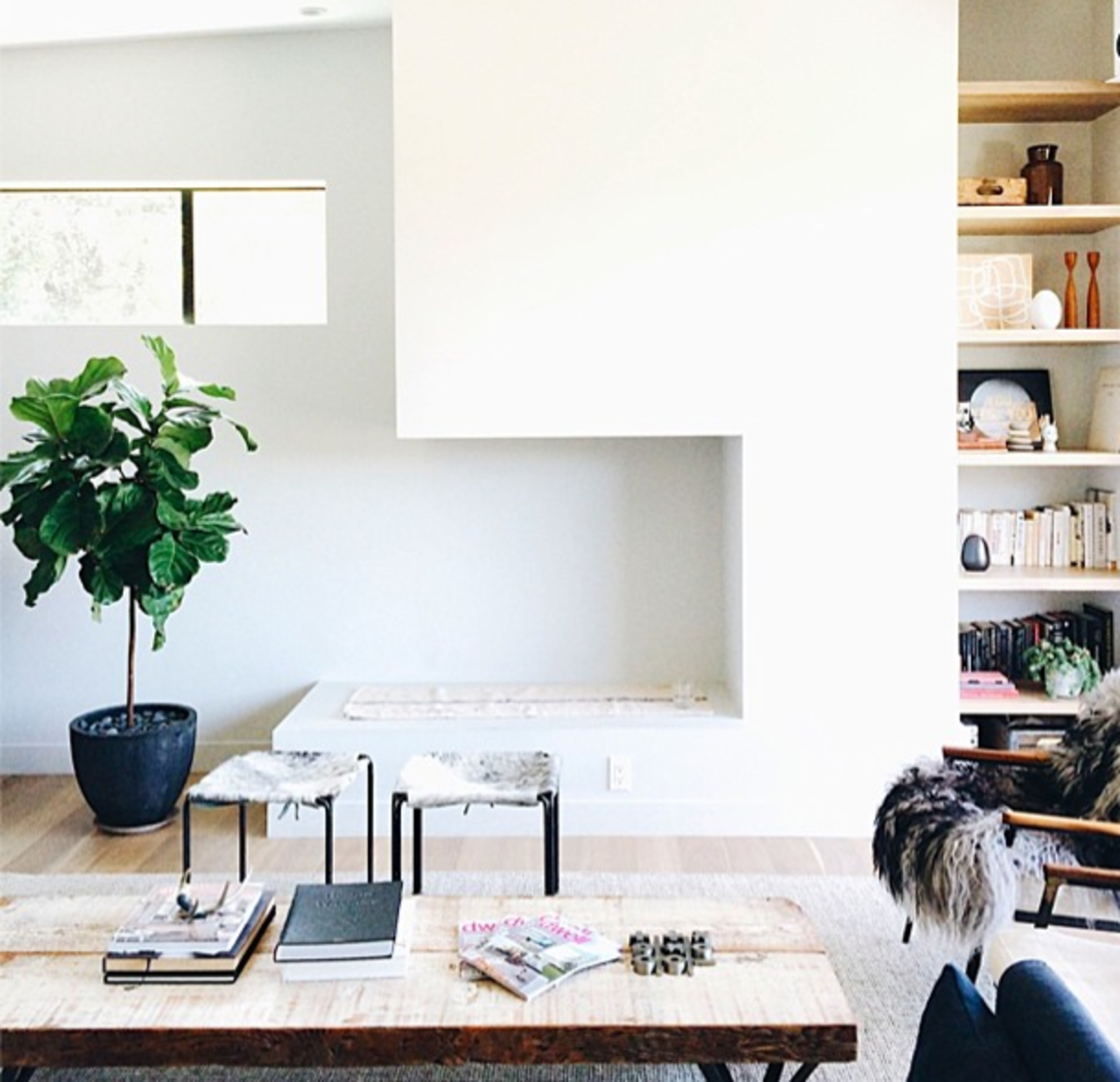 """@jeffmindell: """"Living room, Murnane House @dwellmagazine @dwellondesign #dod2014 #dwellondesign #dwellASID #inspiredesign""""  Dwell on Design East Side Home Tour  Dwell on Design 2014: Day Two in Instagrams by Allie Weiss"""