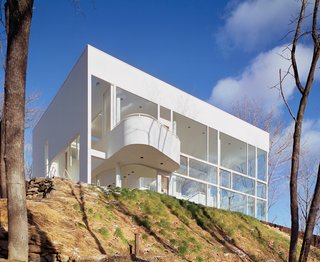 Richard Meier's Practice at 50 - Photo 4 of 10 - Shamberg House in Chappaqua, New York, 1972-74. (Copyright ESTO)