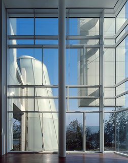 "Richard Meier's Practice at 50 - Photo 5 of 10 - Arp Museum in Rolandseck, Germany, 2002-07. (Copyright Roland Halbe)<br><br>When asked what he would like to build that he hasn't yet, Meier is direct. ""I'd like to do a skyscraper in New York City."""