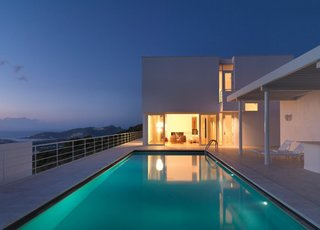 Richard Meier's Practice at 50 - Photo 8 of 10 - Bodrum Houses in Turkey, 2007-present. (Copyright Richard Meier & Partners)