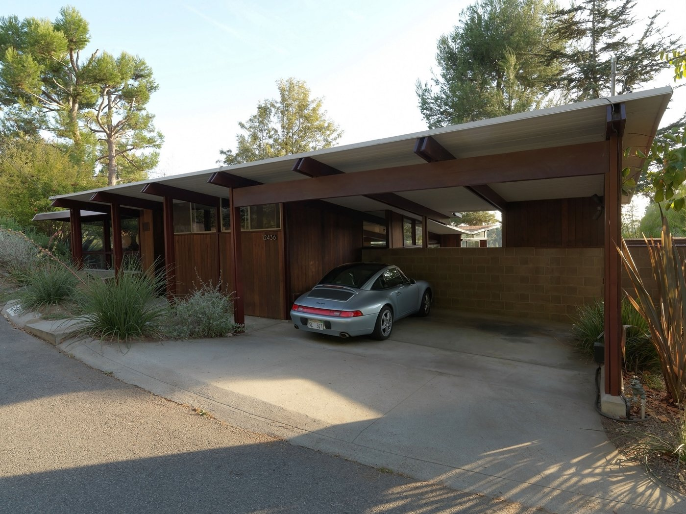 A new book on the los angeles development of iconic for Mid century homes los angeles
