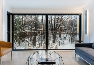 Near Montreal, a 1950s House Gets a Modern Makeover