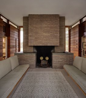 Beloved Midcentury Houses Examined After Decades of Wear and Tear - Photo 5 of 6 -
