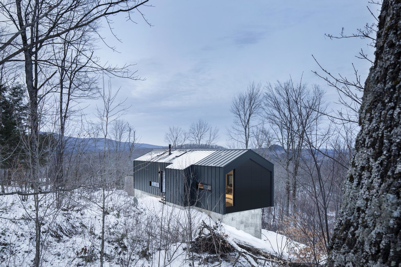 Home In The Mountains amazing cantilevered home in the mountains - dwell