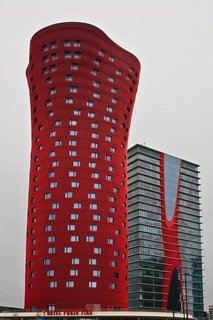 Torres de Toyo Ito with Hotel Porta Fira. Photo by: Mario Lopez