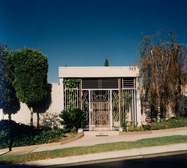"House #7 (Beverly Hills) 1995, from Opie's Houses series. Courtesy Regen Projects, Los Angeles © Catherine Opie ""Cathy photographs in such a way that—just as in her portraits—you see these carefully detailed facades that express the personalities behind the houses,"" says Bills."