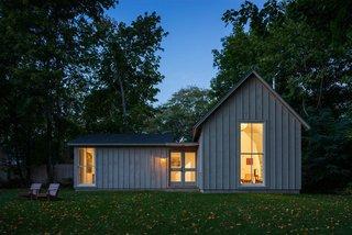 A Modern Live-Work Studio in Rhode Island - Photo 6 of 7 -