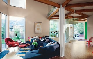 28 Triangles Make Up This Hyper-Angular Family Home - Photo 1 of 12 -