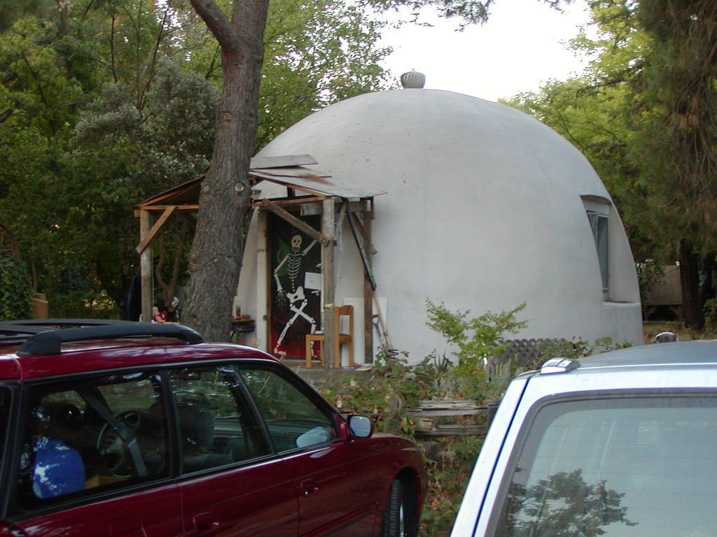 A geodesic home, part of the Baggins End community, on the University of Davis campus. Photo via Flickr/basykes  Tiny Homes  by Erika Heet from Tipis & Geodesic Domes: Alternative Homes