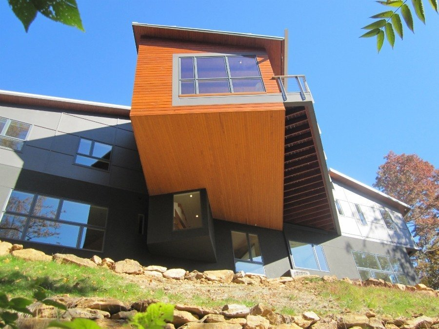 10 Gravity-Defying Cantilevered Homes - Photo 15 of 23 - A dramatic cantilever forms the home's communal living space.