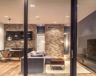 A Spacious Toronto Triplex Responds to Rising Urban Density - Photo 7 of 9 -