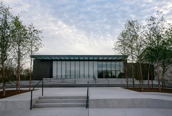The new East Building seen from Fine Arts Drive (North façade). Image courtesy of the Saint Louis Art Museum and Architectural Wall Systems. Photo by: Jacob Sharp.