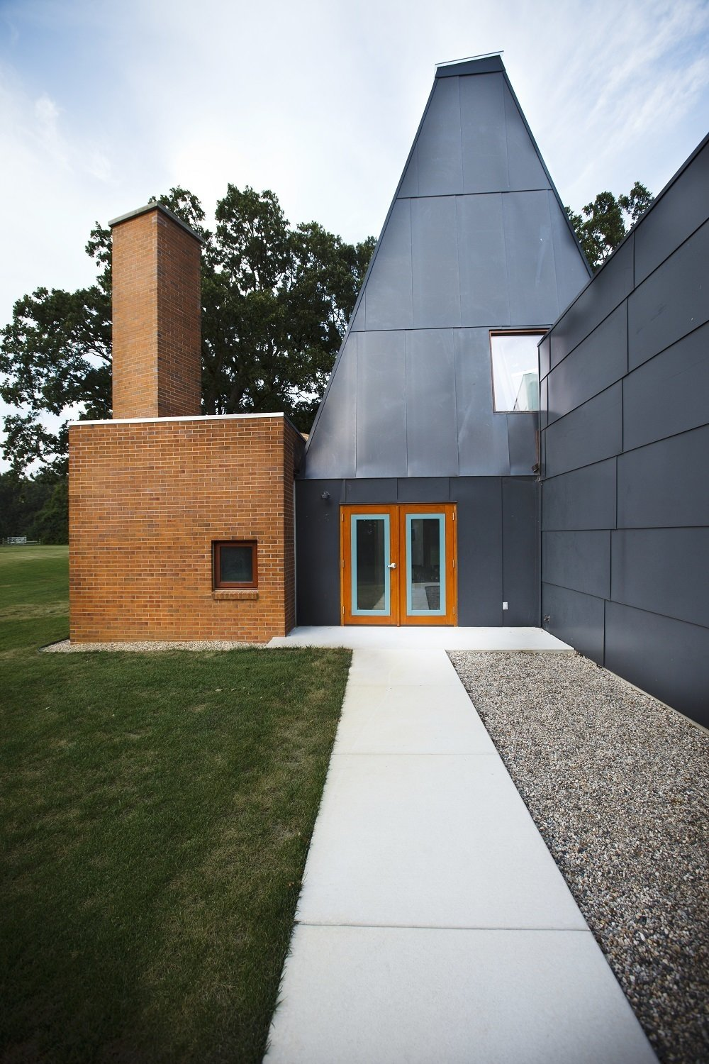Would you buy this idiosyncratic frank gehry guest house for Buy guest house