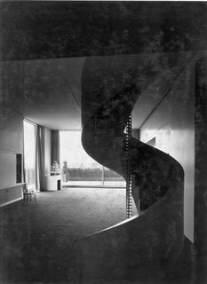 A Corbusier-Inspired Parisian Home - Photo 10 of 11 -