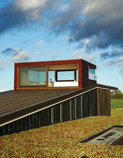 A Prairie Escape Embraces the Landscape with a Green Roof - Photo 6 of 10 -