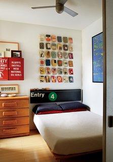 Bright Renovation of a Tiny Manhattan Apartment - Photo 8 of 12 -