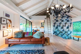 Playful Materials Refresh a Dated Hollywood Home - Photo 4 of 6 -