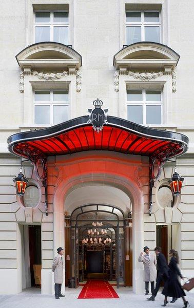 Le Royal Monceau Raffles' façade on 37 Avenue Hoche.