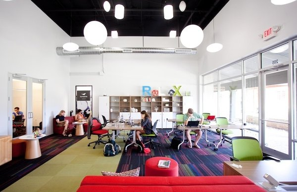 13 Inspiring Coworking Spaces - Photo 4 of 13 -