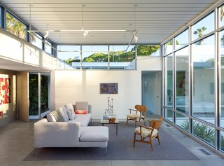 This Sparkling New Home Is a Perfect Remake of Classic Sarasota School Modernism - Photo 3 of 13 -