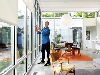 This Sparkling New Home Is a Perfect Remake of Classic Sarasota School Modernism - Photo 10 of 13 -