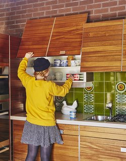 "Quirky 1970s House in the English Countryside Showcases an Amazing Modern Furniture Collection - Photo 8 of 18 - ""The kitchen is pretty astonishing, really, considering it's 40 years old,"" says resident Louise Jenkins."