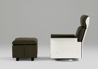 Vitsœ Brings Back Dieter Rams 620 Chair Program - Photo 2 of 4 -