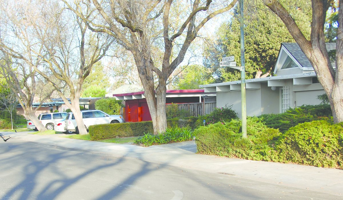Faircourt, Palo Alto, Joseph Eichler.  Photo 3 of 6 in Never-Before-Seen Images of Iconic Midcentury Modern Eichler Homes