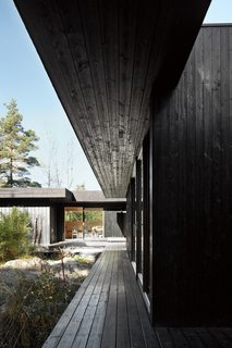 A Look at 10 Minimalist Scandinavian Cabins - Photo 2 of 10 - Architect  Irene Svik's