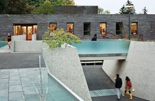 Cutting-Edge Dorms Embrace The Landscape with No Need for Elevators or Interior Stairs - Photo 7 of 7 -