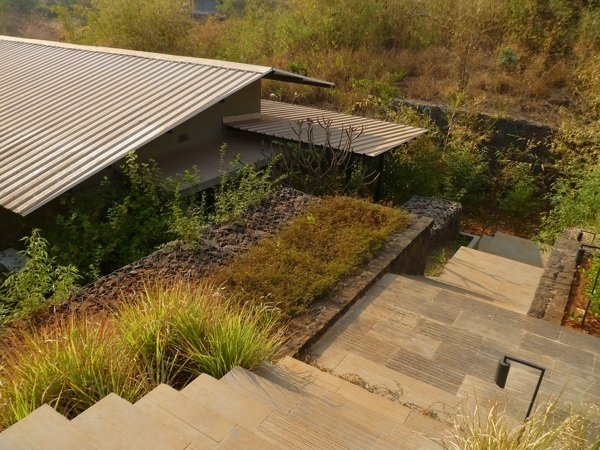 Shillim Retreat, Maharashtra, India, 2012. Landscape design: Margie Ruddick. Architecture: Steven Harris Architects, Khanna Schultz, Writer Corporation. Photo: Khanna Schultz