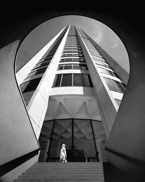 Australia Square Tower, Sydney, 1961-67. Photo © Max Dupain