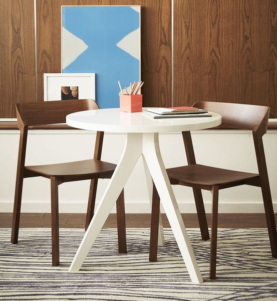 These Modern Workspaces Are Just As Welcoming as Your Living Room - Photo 4 of 9 -