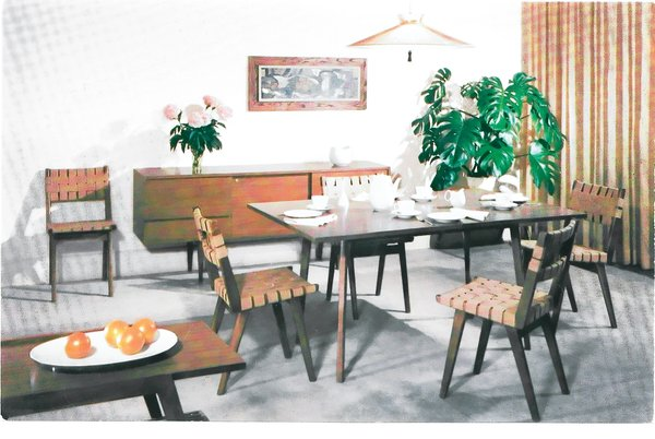 Shot in 1968 at the Smilow-Thielle store in Manhasset, New York, a dining room vignette outfitted with decorations and housewares encouraged shoppers to feel at home. Photo courtesy of the Smilow Family.