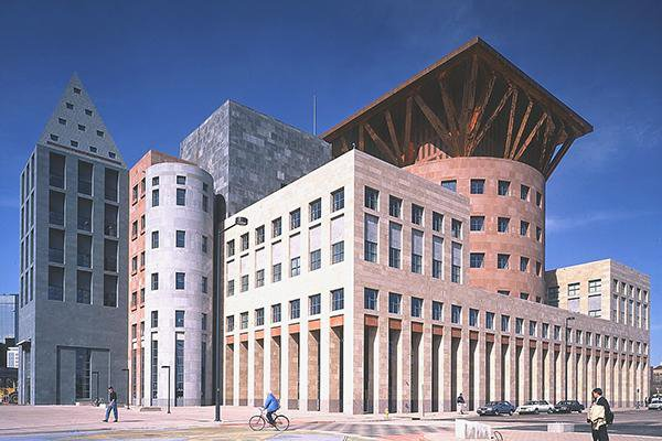 One of Graves's larger commissions, the Denver Central Library in Denver, Colorado, stands out immediately.