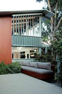 A Renovation Elevates This Humble Ranch Among its Iconic Midcentury Neighbors - Photo 2 of 10 -