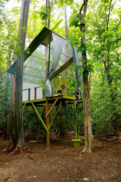"Radamés ""Juni"" Figueroa lived in his art project tree house, made from found materials, for two fortnights, as part of his artist residency at La Practica at Beta-Local. ""The Practice"" is an interdisciplinary program of research and production focusing on art, architecture, and design, with an emphasis on collaboration."