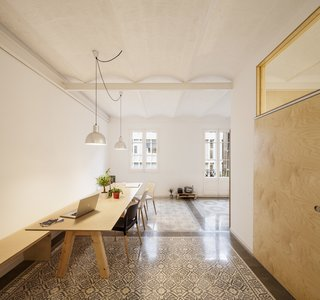 1930s Barcelona Apartment Gets a Minimal Makeover - Photo 4 of 8 -
