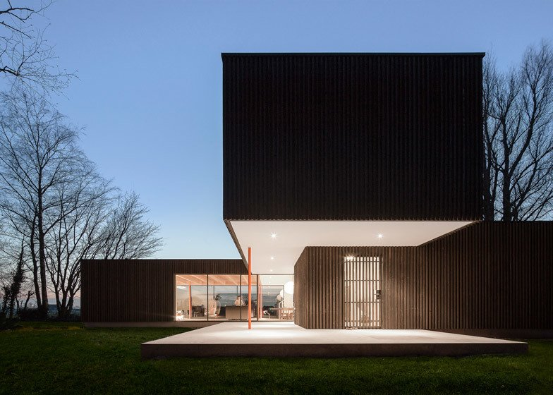 Using prefabricated elements, Bas van Bolderen Architectuur and Studio Puisto Architects were able to complete the dwelling in just eight months so the couple's lives could return to normal. Wall elements were constructed in Germany, then transported to the Netherlands, where the house was erected in just one week.