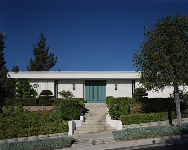 Catherine Opie, House #12 (Beverly Hills), 1995, from Both Sides of Sunset.
