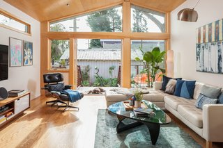 Renovation: A Sunny Berkeley Bungalow Invites the Outdoors In