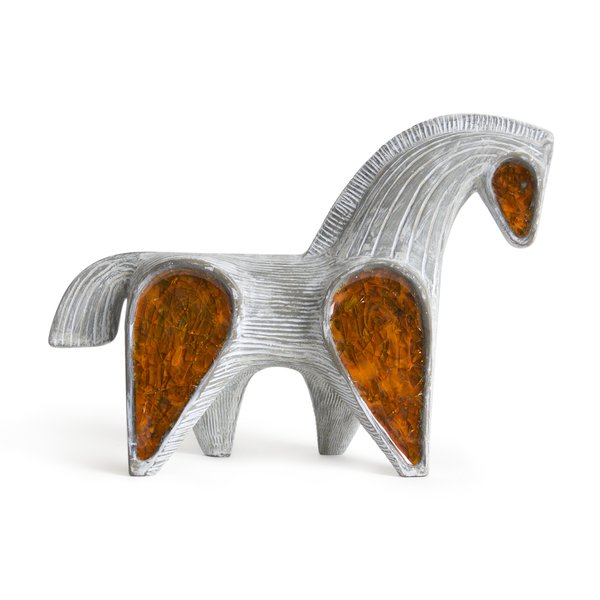 Molten ground glass highlight the Glass Menagerie Horse objet.