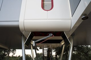 This Futuristic Prefab in Spain Has All the High-Tech Gizmos of a Spaceship - Photo 3 of 9 -