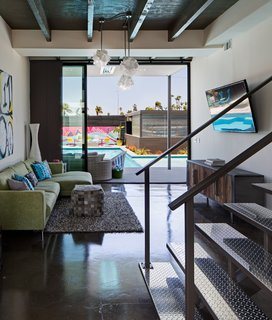 A Dull Stucco Home Becomes a Modern California Oasis - Photo 7 of 10 -