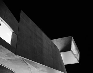A New Los Angeles Exhibition Celebrates the Architectural Photography of Hélène Binet - Photo 1 of 8 -