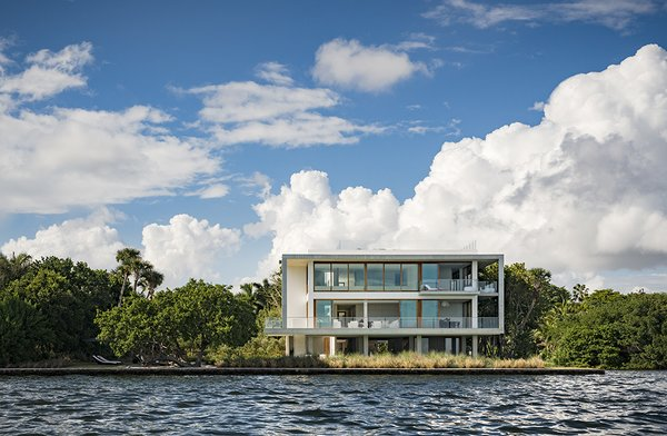 The 20,000-square-foot home features seven bedroom and eight-and-a-half baths. Photo 4 of Casa Bahia modern home