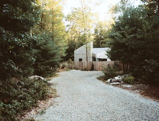 This Tiny New England Cottage Is a No-Frills Weekend Hideaway - Photo 11 of 12 -