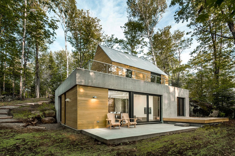 In Lac Supérieur, outside Montreal, the Fraternité-sur-Lac resort site is home to a series of modern, modular residences designed by YH2.  Spahaus by Allie Weiss
