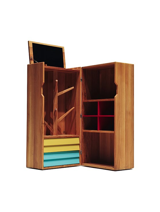 This wooden trunk may be nondescript on the outside, but inside it can hold a complete home bar.